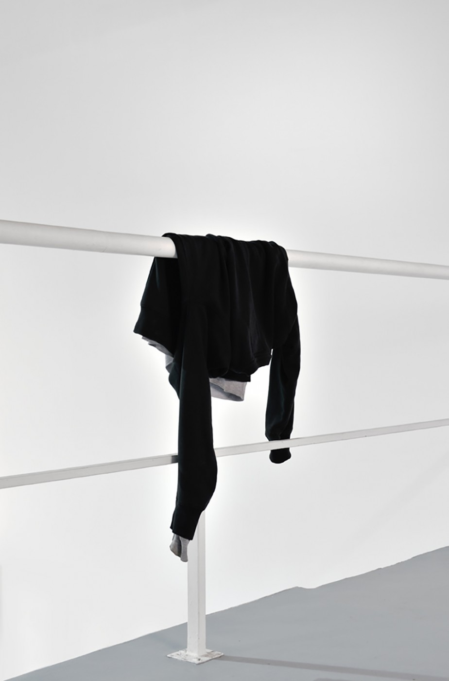 Untitled, 2013, Edition de 3, Sweatshirts, Installation variable 