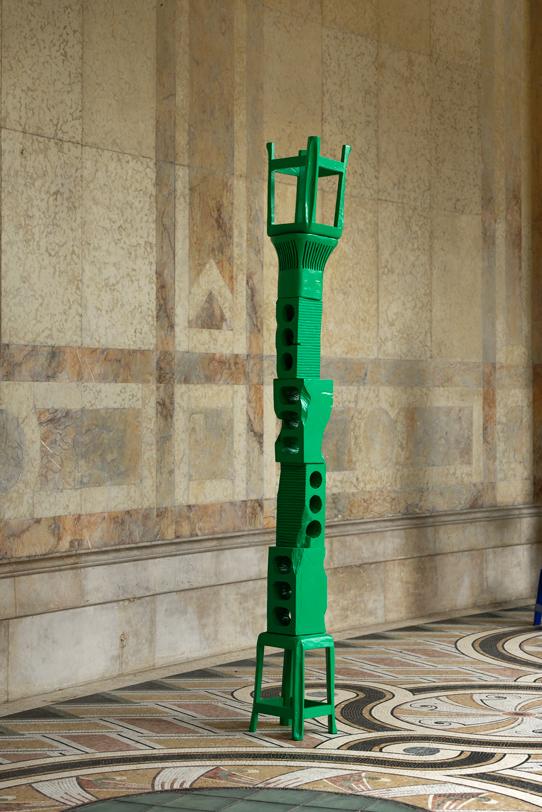 Cameron Platter I'm Not Finish Then She Start, Cameron Platter, FIAC Projects @Petit Palais, 2019, carved wood, enamel paint, 250 x 30 x 30 cm — Galerie Éric Hussenot, Paris