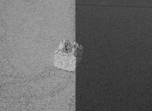 Barney Kulok Untitled (Split Shadow), 2012, Edition 2/6 + 4AP, Gelatin silver print, 73,7 x 101,6 cm — Galerie Éric Hussenot, Paris