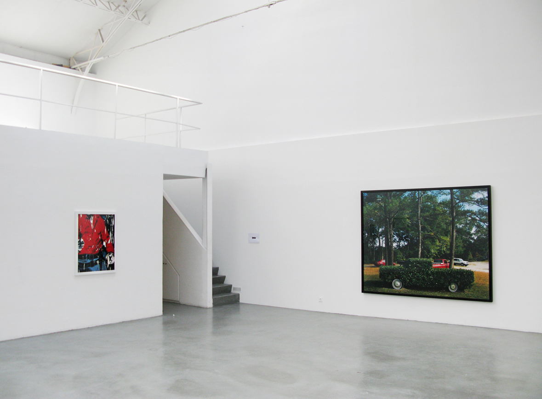 Barney Kulok, 2008, vue d'installation, Eric Hussenot, Paris — Galerie Éric Hussenot, Paris