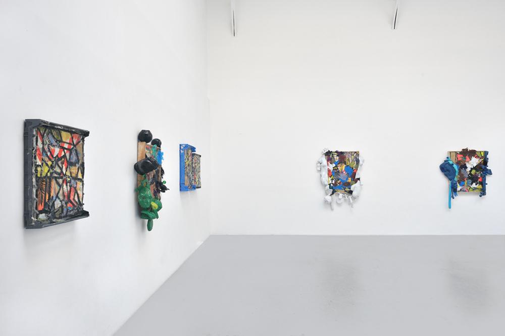 Smile / Slime, Vue d'installation — Galerie Éric Hussenot, Paris