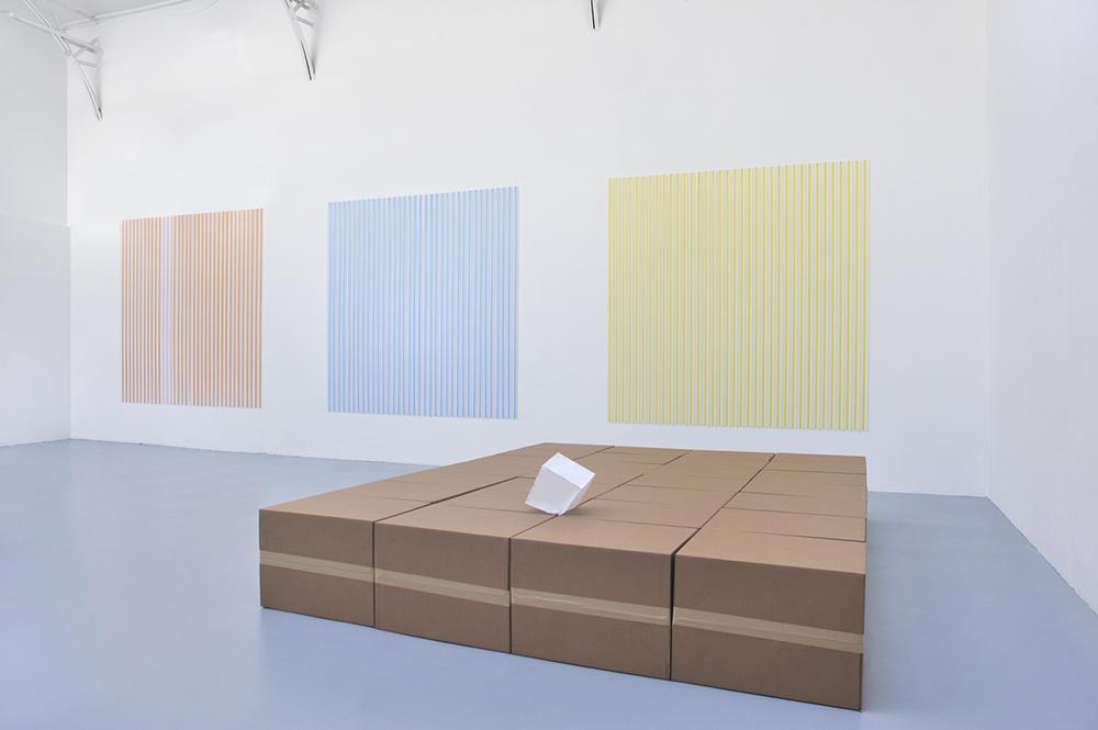 Un-drawn Drawings : works of paper, Vue d'installation, Thomas Kovachevich, Henry, 2013, White cube : 23 x 23 x 23 cm , Boxes : 367 x 286 x 50 cm   — Galerie Éric Hussenot, Paris