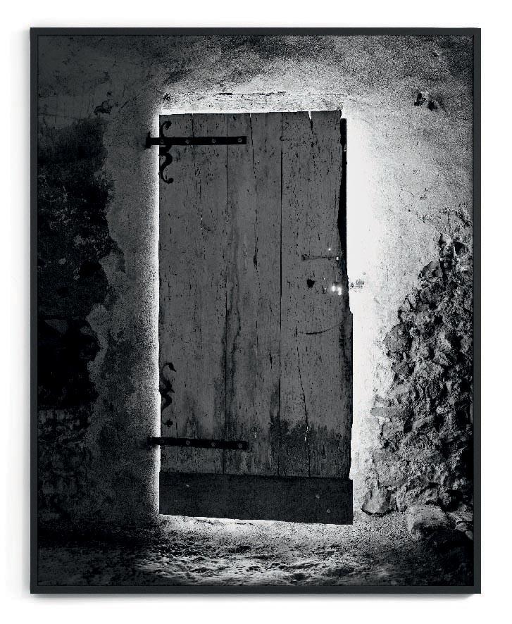Martin d'Orgeval Halo (Door),  2011, Edition de 3 + 1 AP, B   W Silver Print, 150 x 120 cm  — Galerie Éric Hussenot, Paris