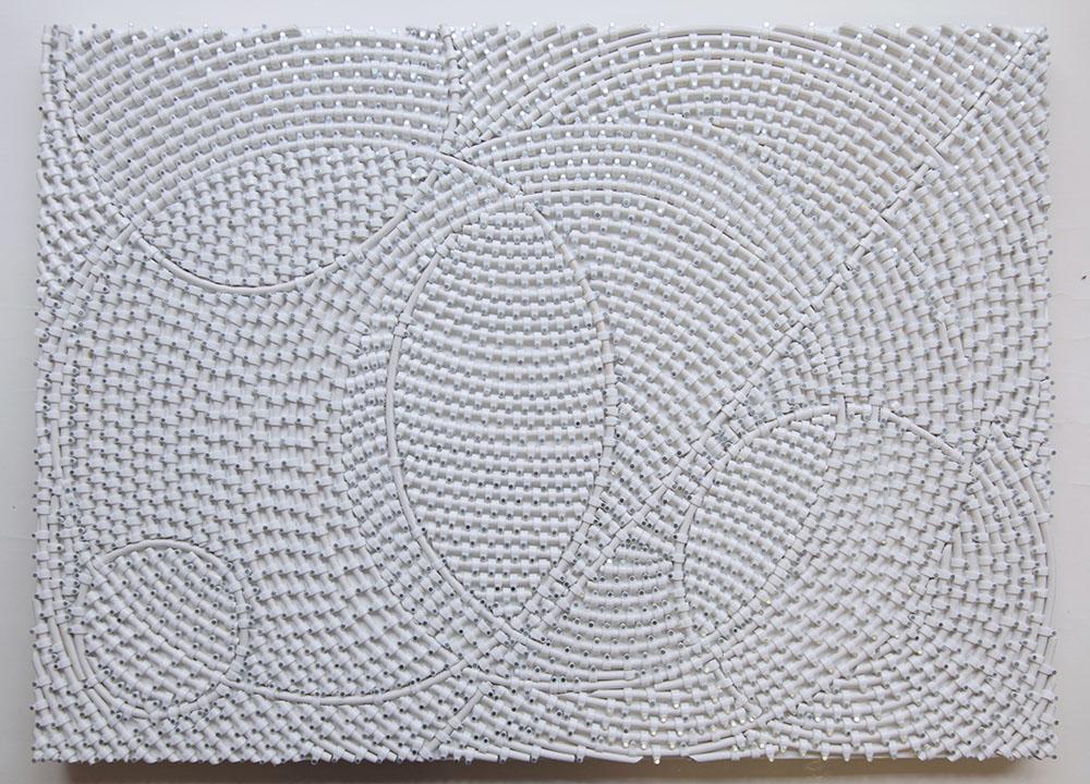 Kissing Circle # 3, 2010-2011, Pièce unique, Câble d'antenne coaxial sur contreplaqué, vitrine en plexiglass,   60 x 80 x 5 cm   — Galerie Éric Hussenot, Paris