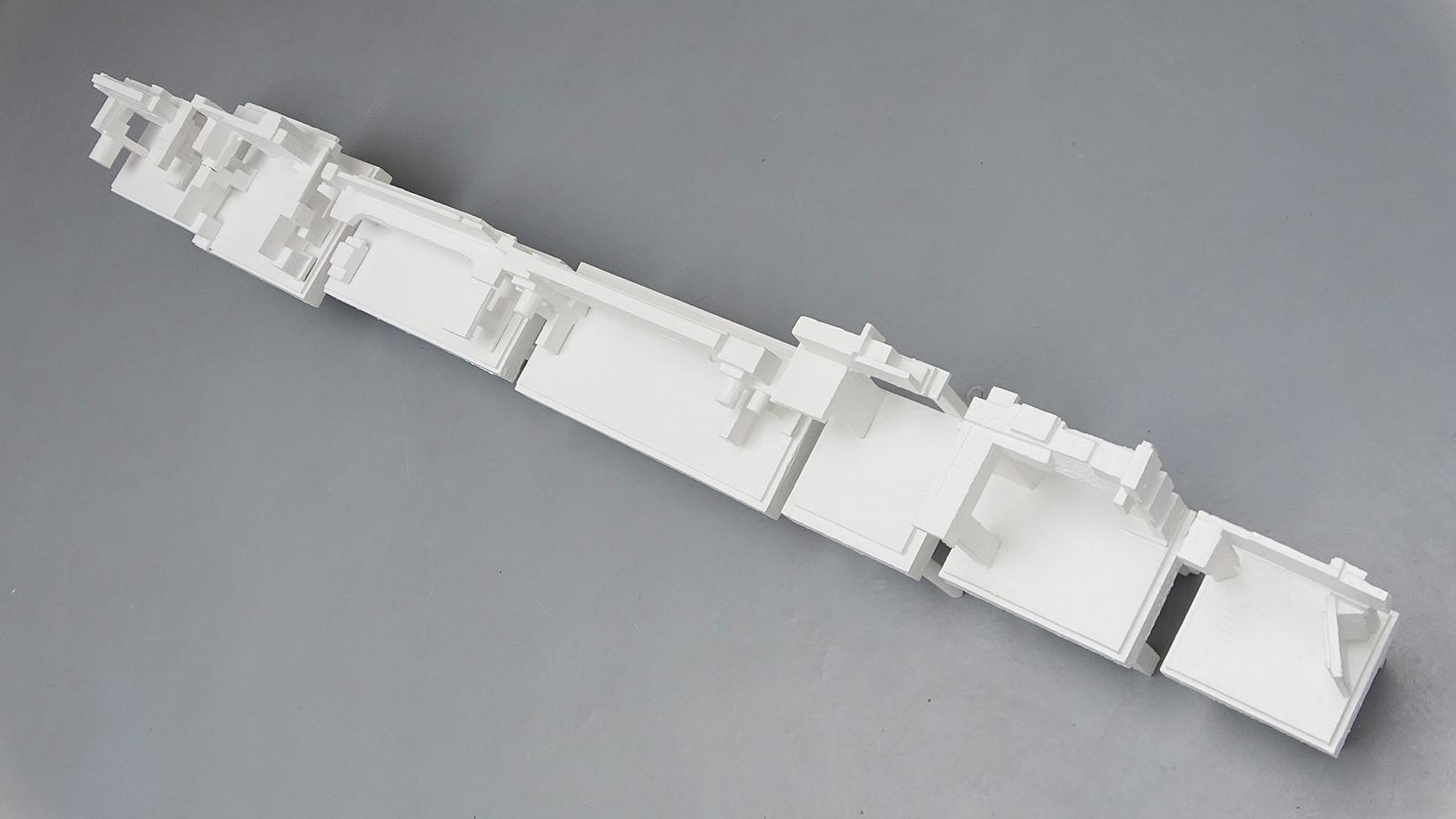 New models, Denis ColletPark, 2015, bois, peinture, dimensions variable selon installation — Galerie Éric Hussenot, Paris