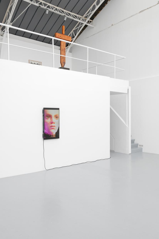 Piégé.e.s inextricablement dans la formulation d'une émotion, Vue d'installation, 2020, Matthieu Haberard, Cyril Magnier, organized with Exo Exo — Galerie Éric Hussenot, Paris