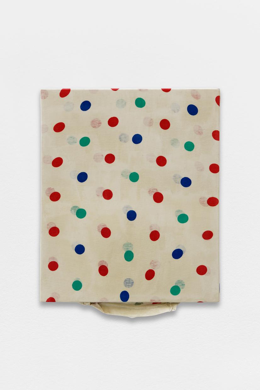 Peinture Peinture, (Polka Dots),  avaf, 2020 , T-shirt de l'artiste marouflé sur toile, liant acrylique, 57 x 46 cm  — Galerie Éric Hussenot, Paris
