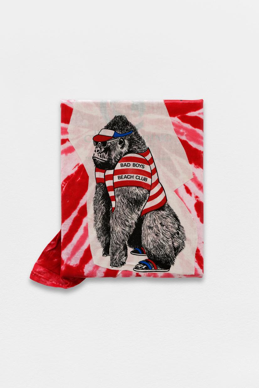 Peinture Peinture, (Bad Boys Beach Club), avaf, 2020 , T-shirt de l'artiste marouflé sur toile, liant acrylique, cadre de l'artiste, 42,5 x 40 cm  — Galerie Éric Hussenot, Paris