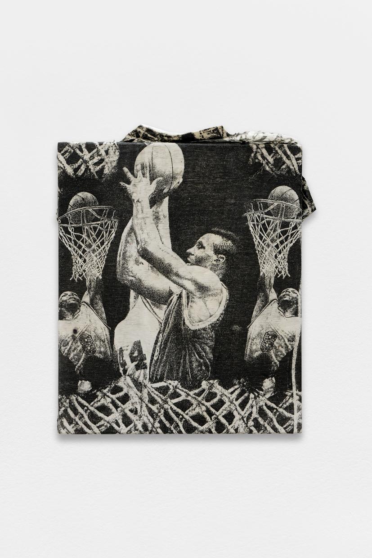 Peinture Peinture, (NBA),  avaf, 2020 , T-shirt de l'artiste marouflé sur toile, liant acrylique, 59 x 46 cm  — Galerie Éric Hussenot, Paris