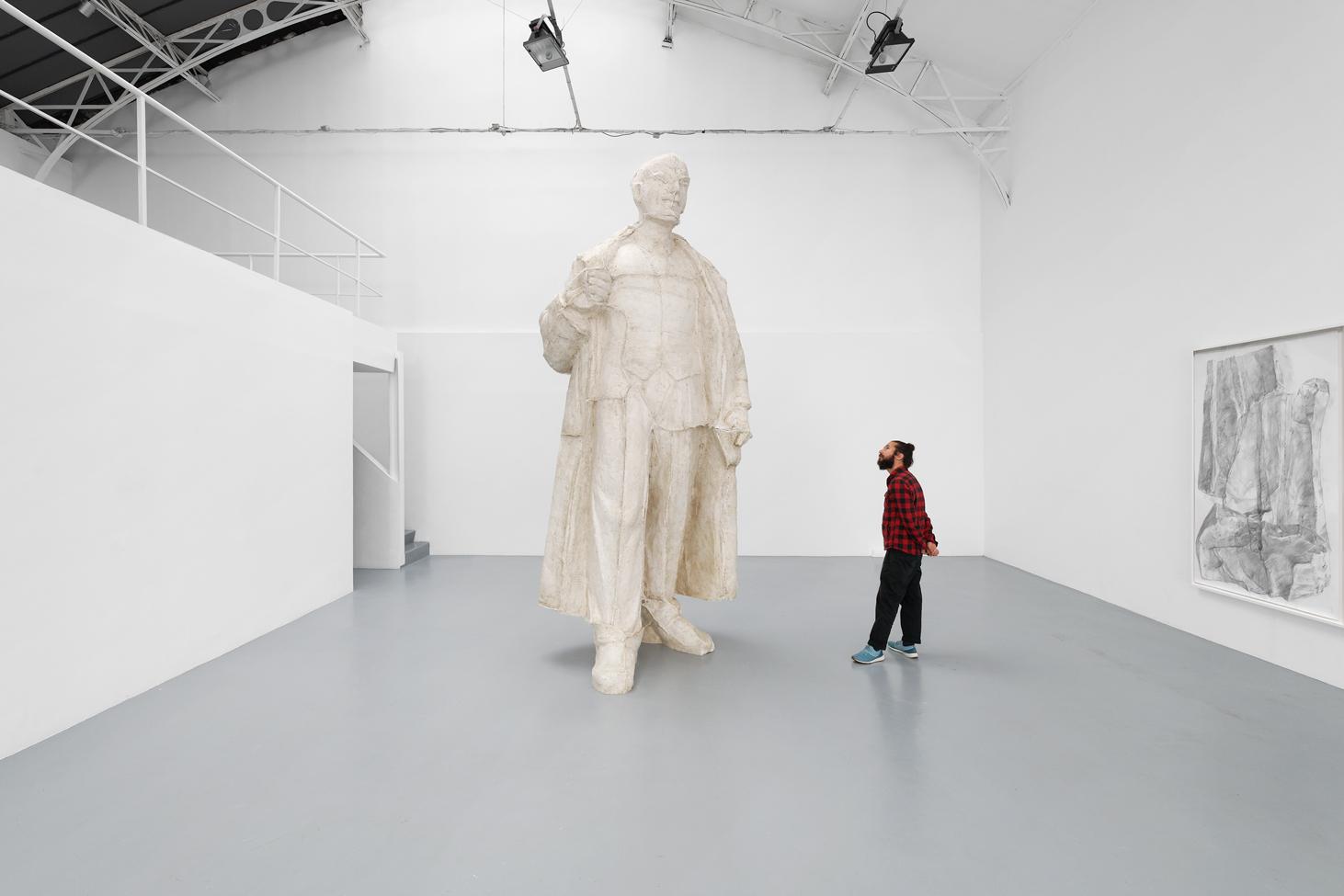 Incarnation, Ciprian Mureșan, 2020, Unique, Resin, 399 (H) x 165 x 143 cm  — Galerie Éric Hussenot, Paris