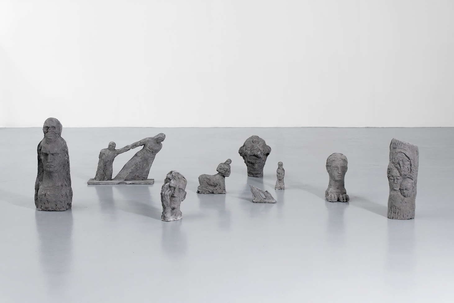 Forgotten statues , Ciprian Mureșan, 2020, Edition 2/5, 9 statues, resin, Dimension variable  — Galerie Éric Hussenot, Paris